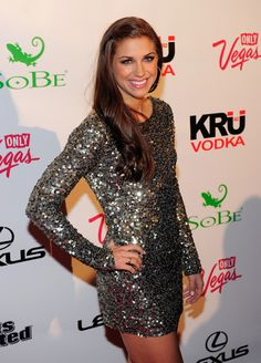 Or a sparkly dress. 25 Reasons Why Alex Morgan Is The Perfect Lady Alex Morgan Hot, Alex Morgan Soccer, Sparkly Prom Dresses, Sherri Hill Prom Dresses, Masquerade Ball Gowns, Nye Dress, Hollywood Heroines, All American Girl, Flawless Beauty