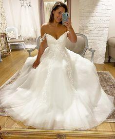 White Lace, Kicks, Wedding Dresses, Instagram, Fashion, Bridal Dresses, Moda, Bridal Gowns, Wedding Gowns