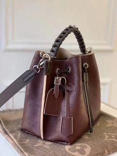Image about fashion in Bag 👜 or Backpack🎒 Popular Purses, Bucket Bag, Louis Vuitton, Backpacks, Bags, Women, Fashion, Handbags, Moda