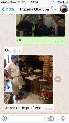 Cliente pede pizza por whatsapp de uma jeito criativo e conversa hilária viraliza Memes Humor, Funny Memes, Converse, Naruto Shippuden, Thing 1, Internet, Pasta, Dark Side, Troll
