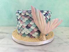 mermaid cake tutorial - robyn loves cake Mermaid Birthday Cakes, Mermaid Cakes, Fondant Bow, Marshmallow Fondant, Fondant Flowers, Fondant Cakes, Modeling Chocolate Recipes, Delish Cakes, Petal Dust