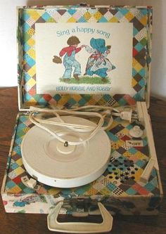Holly Hobbie record player!!!♥♥♥