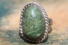 Vintage 1950s Mexican 925 Sterling Silver & Green Turquoise RIng.