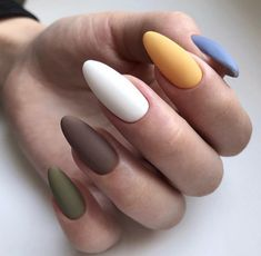 Nail Designs and Ideas 2019 Any lady who cares about how she looks thinks what manicure will best fit the chosen outfit and what types of nails are in the trend at a time. Summer Nails Almond, Short Almond Nails, Acrylic Nail Shapes, Acrylic Nail Designs, Nail Swag, Natural Almond Nails, Ongles Bling Bling, Multicolored Nails, Almond Nails Designs