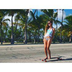 Longboard Girl Style  Foto @sophia_carmela   #sampalongboarders #longboard…