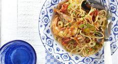 Σπαγγέτι με σουπιές και θαλασσινά Spaghetti, Ethnic Recipes, Food, Eten, Meals, Noodle, Diet