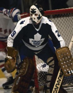 The Popcorn Kid Mike Palmateer one of the goalies for the Alumni Showdown Maple Leafs Hockey, Hockey Pictures, Goalie Mask, Hockey Goalie, Nfl Fans, Sports Figures, Hockey Cards, Toronto Maple Leafs, Detroit Red Wings