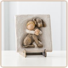 Willow Tree Hug Plaque Message: A boundless love. Susan Lordi is re-introducing Willow Tree Hug Plaque with animal theme. Willow Tree Figures, Willow Tree Angels, Willow Figurines, Hand Carved, Hand Painted, Bereavement Gift, Sympathy Gifts, Pet Memorials, My Collection