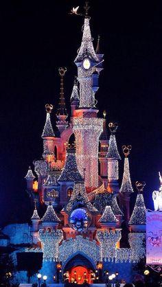Disneyland Paris @ Christmas time!