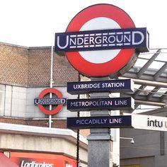 Transport for London Underground - Uxbridge London Underground Train, Underground Tube, Tube Stations London, Metropolitan Line, London Overground, London Transport, Travel Oklahoma, Portugal Travel, Brittany
