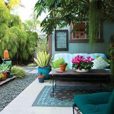Fabulos Winter Garden Design For Small Backyard Landscaping Ideas - Page 7 of 15 Cozy Backyard, Small Backyard Landscaping, Large Backyard, Landscaping Ideas, Outdoor Garden Decor, Winter Garden, Garden Inspiration, Garden Ideas, Garden Pots