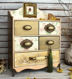 How To Choose Your Jewelry Armoire Altered Boxes, Altered Art, Vintage Furniture, Painted Furniture, Pretty Storage Boxes, Jewelry Box Makeover, Diy Crafts Vintage, Licht Box, Shabby Chic Jewelry