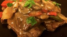 Tender calf& liver is simmered with sweet onion in a rich gravy in this traditional dish. Pork Liver Recipe, Chicken Liver Recipes, Veal Recipes, Beef Liver, Onion Recipes, Cooking Recipes, Irish Recipes, Pap Recipe, Calves Liver
