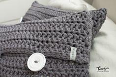 Virkattu tyynynpäällinen. Crochet pillow case. #virkkaus #tyyny #tyynynpäällinen #crochet #pillow