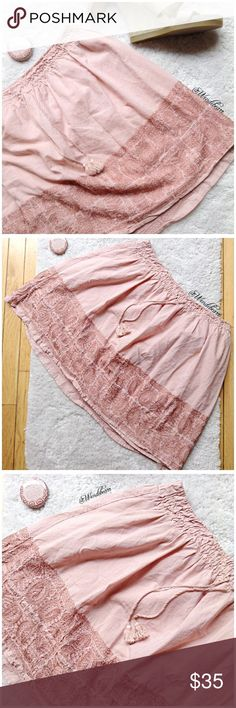 J.Crew Perfectly Pink Lightweight Skirt Like New. Worn only a few times. No stains, no holes, no rips. Feel free to ask questions or make an offer. Details to come. NO TRADES J. Crew Skirts