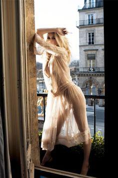 Claudia Schiffer by Ellen Von Unwerth