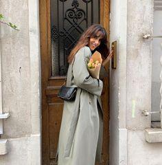Парижские блогеры о французском стиле - Diane Kari #тренды2021 #образы2021 #парижскийстиль #уличнаямода #лето2021 #мода2021 Casual Chic, Parisian, Ootd, Classy, Inspiration, Outfits, Instagram, Dresses, Women