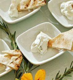 coalhada seca, receita, árabe, como fazer Finger Food Desserts, Finger Foods, Dessert Recipes, Cheese Recipes, Cooking Recipes, Sauces, Arabian Food, Pasta, What To Cook