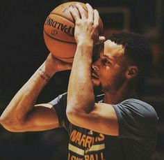 Eyes on history tonight. Stephen Curry Basketball, Nba Stephen Curry, Basketball Players, Wardell Stephen Curry, 2018 Nba Champions, Bay Sports, Curry Warriors, The Golden Boy, Hottest Curry