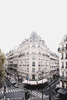 I dream in Paris.