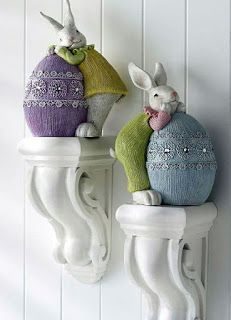 me ~ 40 Beautiful Easter Table Decoration Ideas Hoppy Easter, Easter Bunny, Easter Eggs, Easter Cake, Lapin Art, Deco Kids, Easter Table Decorations, Easter Decor, Easter Ideas