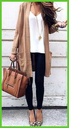 22 Ideas womens fashion over 40 over 50 christmas gifts Black Women Fashion, Look Fashion, Fashion Models, Womens Fashion, Feminine Fashion, Fashion Brands, Fashion 2018, Fashion Designers, Fashion Websites
