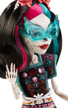 I love this doll. She's pretty. ~ Monster High Monster Scaritage Skelita Calaveras Doll and Fashion Set