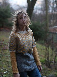 Ravelry: craftzone's Garland Sweater-poncho