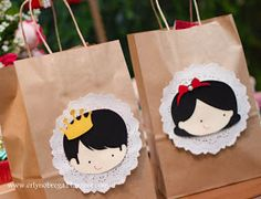New birthday girl princess theme favor bags Ideas Princess Theme Party, Disney Princess Party, Girl Birthday, Birthday Parties, Snow White Birthday, Holiday Planner, Diy Party Decorations, Party Favor Bags, Childrens Party