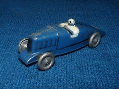 Jouet ancien ;Voiture de course, petite Rosalie /Avec son sigle ; Cygne Citroën