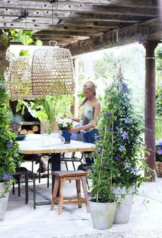 Outdoor Lighting Inspiration is part of Garden vines Now that the weather is ridiculously amazing in Northern California right, now my mind keeps shifting to all the outdoor projects I want to compl - Pergola Curtains, Pergola Patio, Pergola Plans, Pergola Kits, Pergola Ideas, Mosquito Curtains, Wisteria Pergola, Steel Pergola, White Pergola