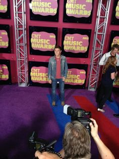 #ScottyMcreery lovers, this one is for you! He's keepin' it casual in denim on the red carpet. #CMTawards
