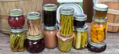 40 Preserving Links: Beginner tips, pro tricks and canning with honey