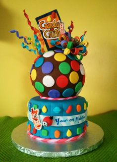 Candy Crush cake I made for their 1 year anniversary on mobile Candy Crush Party, Candy Crush Cakes, Candy Cakes, Cookies Cupcake, Cupcake Cakes, Chocolate Chip Cookie Bars, Chocolate Desserts, Chocolate Chips, Cake Pops