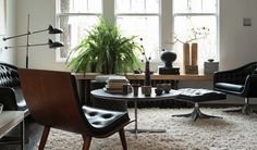 Awesome 40 Cozy Mid Century Living Room Interior Design Ideas To Try Mid Century Modern Living Room, Living Room Modern, Home Living Room, Living Room Designs, Living Room Furniture, Living Spaces, Furniture Layout, Living Area, Dark Furniture