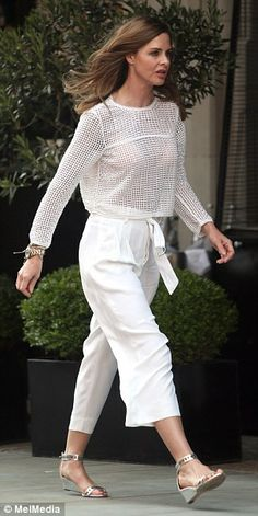 Full steam ahead: Trinny and Saatchi enjoyed a surprisingly tactile display outside popular fish restaurant Scott's Trinny Woodall, Fashion Silhouette, Sartorialist, White Outfits, Zara Dresses, Summer Looks, Everyday Fashion, Style Icons, Celebrity Style