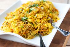 Tasty Kitchen Blog: Singapore Noodles (Singapore Mei Fun). Guest post by Natalie Perry of Perry's Plate, recipe submitted by TK member Sarah...