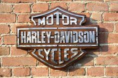 H-D ~ Logo Harley Davidson, Harley Davidson Motorcycles, Davidson Bike, Bike Art, Relief, Projects To Try, Design Kaos, Men Cave, Crayon
