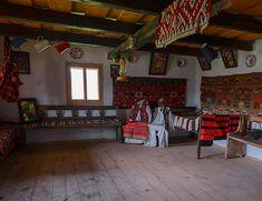 adelaparvu.com despre case din lemn maramuresene, case restaurate Maramures, Breb, Foto Dragos Asaftei (16) Design Case, Old Houses, Romania, House Design, Traditional, Interior, Furniture, Home Decor, Houses