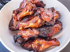 Who doesn't love crispy smoked chicken wings? This is my favorite way to smoke wings. Do your self a favor and try it. Smoked Chicken Recipes, Smoked Whole Chicken, Smoked Pork, Baked Chicken, Smoke Chicken Wings Recipe, Smoked Chicken Wings, Rib Recipes, Grilling Recipes, Traeger Recipes
