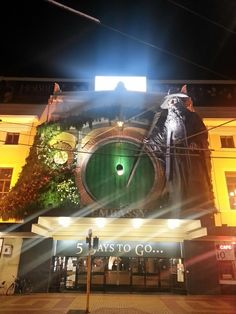 """Peter Webber A photo from Wellington, of the cinema just days away from the Hobbit premiere """" Fleming Waititi: Oh boy. Hannibal Rising, Tutankhamun, Best Start, The Hobbit, Trailers, To Go, Cinema, Posters, Earth"""