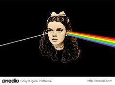 Ayrıca, Dark Side of the Moon albümünün Wizard of Oz filminin soundtrack'i olarak yapıldığı söylenir.