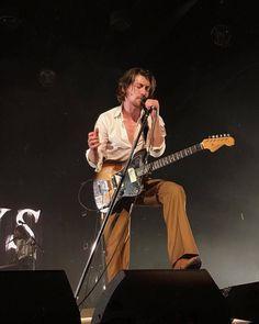 Arctic Monkeys at Zenith, Paris, 29th May 2018 #arcticmonkeys #alexturner