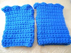 A Maiden Loliand Etsy listing at https://www.etsy.com/listing/177384006/blue-crochet-fingerless-gloves-with