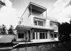 "House Facade Balcony Window Sunblind  M. de Bruyn's house Ary Prinslaan 14, Schiedam, Netherlands; 1929-31  Van der Vlugt  see map  Taken from ""Van der Vlugt: architect 1894-1936"" by Jeroen Geurst, Delft: Delftse Universitaire Pers"" (1983)"