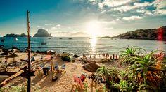 In dit artikel deelt Birdie Kirsten haar reistips in een uitgebreid dossier over Ibiza.