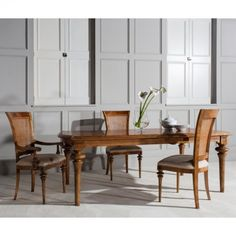 Style Large Extending Dining Table