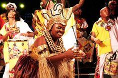 A batucada africana do Bloco Ilê Aiyê toma conta do Pelô