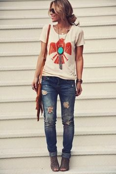 Cool and Easy Road Trip Outfits (13)