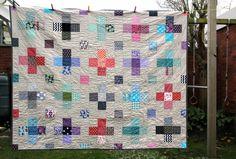 birdeebee: I proudly present {Der 365-Tage-Quilt}. My quilt is done.